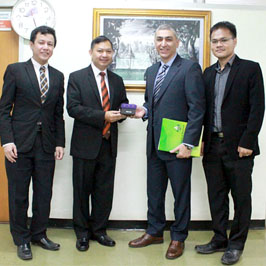Welcoming professor from University of British Columbia, Canada
