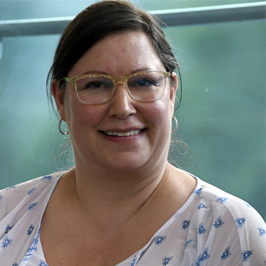 Ms. Heather Cheadle  received Staff Service (Admin) Award, UBC Department of Pathology and Laboratory Medicine
